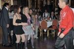 Paul Gontran met au défi les danseuses