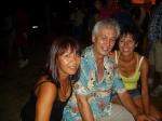 J.-P. Isnard entouré de ses deux sœurs