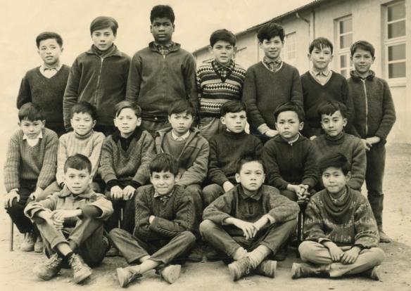 En haut, M. Kasparian, Jouve, J. Kémoko, M. Chevtchouk, M. Georges, D. Jolivet, Ch. (Titi) Le Crenn. M. Bui, L. Nguyen, Calandini, B. Luco, M. Sondit, J.-B. Bayard, R. Apostoli. C. Tao, P. Belmimoun, R. Samel, R. Youssouf