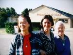 3 générations : mémé Moutouh (à dte), M. Latargère (à gche) et Dany Debled (au milieu)