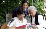 Coco Tao et B. Evin veulent apprendre le solfège à Mme Merlet ?