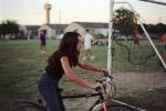 Emilie à vélo