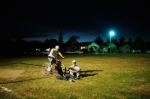 La nuit sur le terrain de foot© Laurent Weyl - Argos-Picturetank